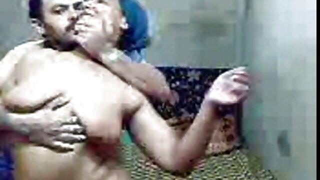 مرد آفریقایی فیلم س عربی حرامزاده الاغ سوئدی را در موضوع قرمز می کشد
