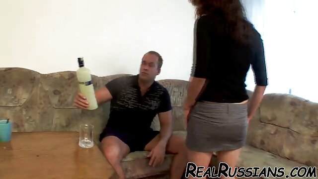 دوست پسر او جوراب شلواری سیاه پخش سکس عربی را روی لب به لب آبدار بلوندش پاره کرد و الاغ تنگ او را لیسید