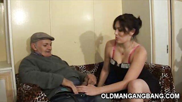 مردان برنزه کونی را می سازند و دختران را با فیلم عربی سکسی موهای بلند جلوی دوربین می کشند