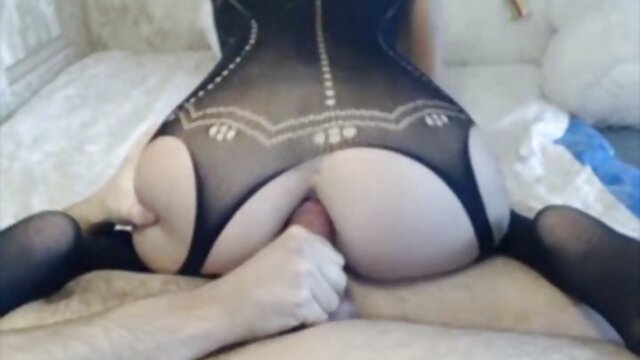 بلوند زیبا از جهات کانال سکس عربی مختلفی برای استمنا استفاده می شود