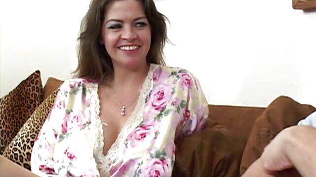 مادر روسی با سکس سوپر عربی کرست سیاه در لعنتی گلدان شکم حاال در الاغ