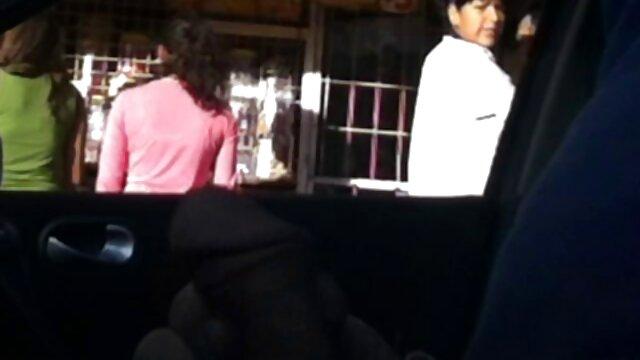 ماساژور با سوراخ های مویی مردی را در دستشویی می مکد و خودش را به او کانال سکسی عربی تلگرام می دهد