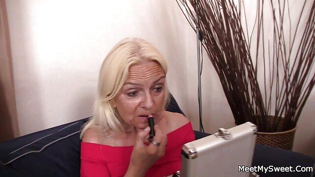 زن سکس عربی اماتور و شوهرهایی که انگشت خود را با مقعد روغنی بزرگ و رانهای بزرگ جلوی وب کم می گذارند